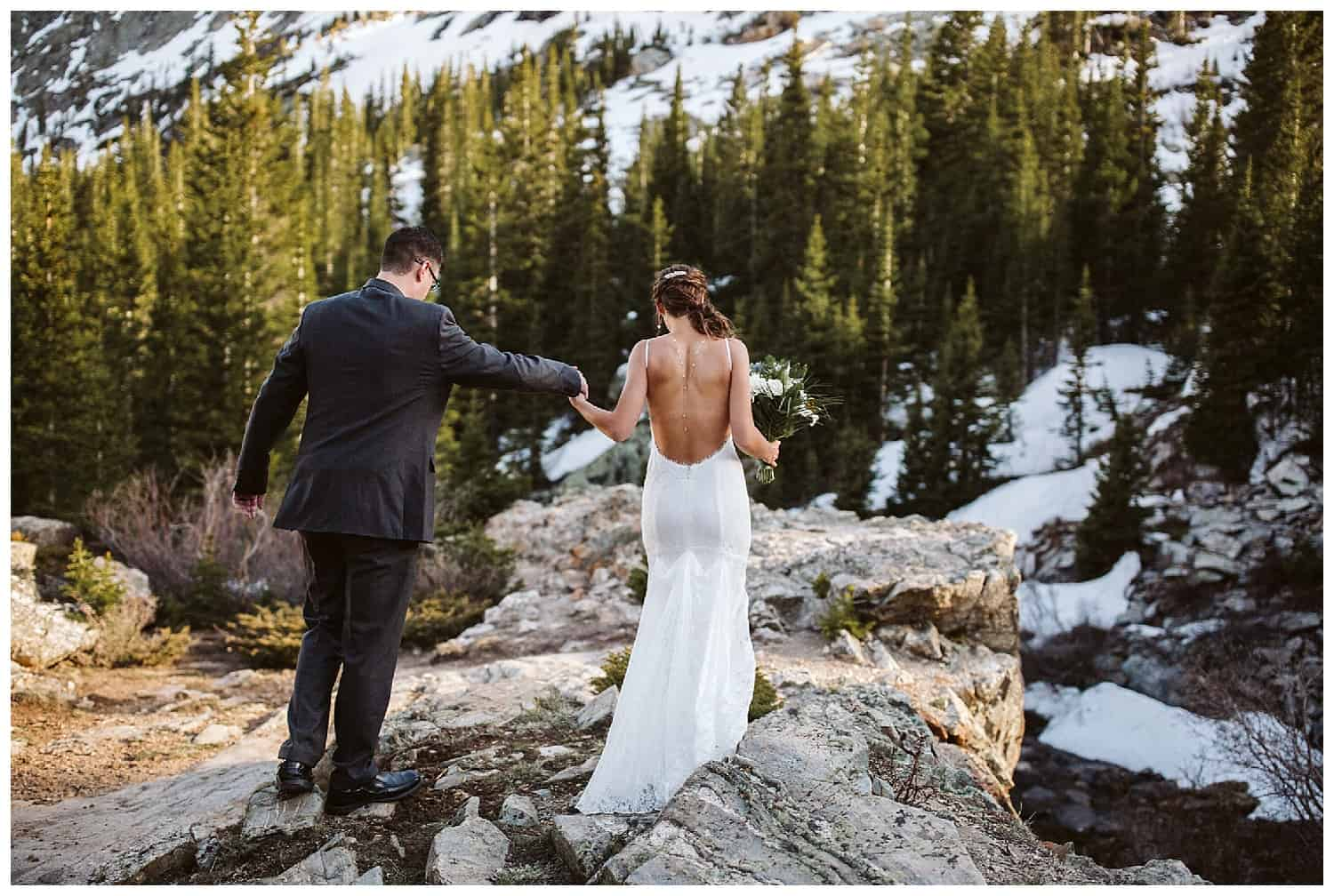 couple-eloping-in-Colorado-mountains